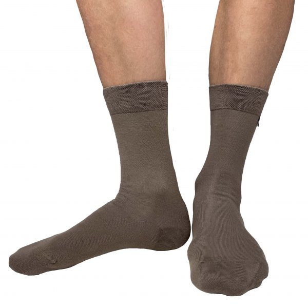 Strumpor i brunt från Tag Socks